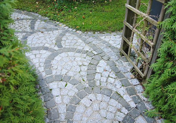 martin-haeringer-gartenbau-landschaftsbau-garten-die-romantische-mauer-galerie-content-07