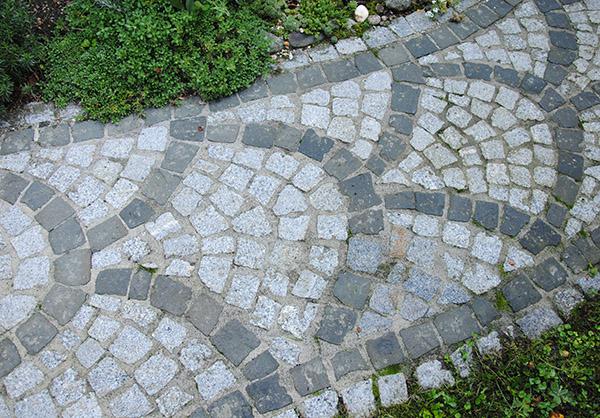 martin-haeringer-gartenbau-landschaftsbau-garten-die-romantische-mauer-galerie-content-08